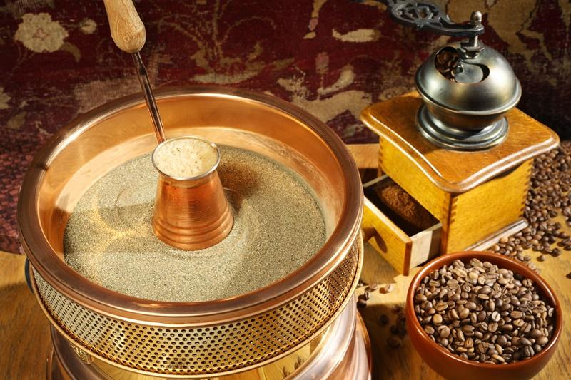 Приготовление кофе по-турецки на песке